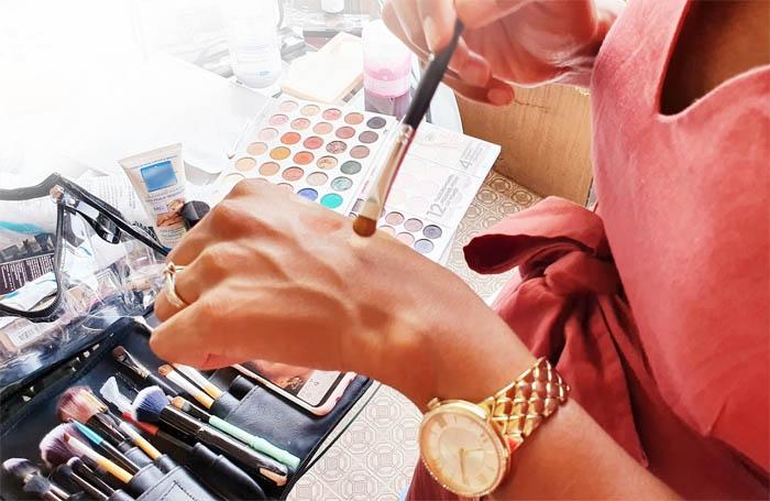 Apprendre à se maquiller et bien choisir ses produits
